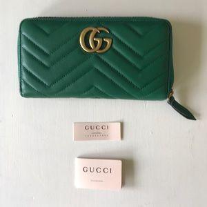Gucci GG Marmont Zip Around Wallet EUC